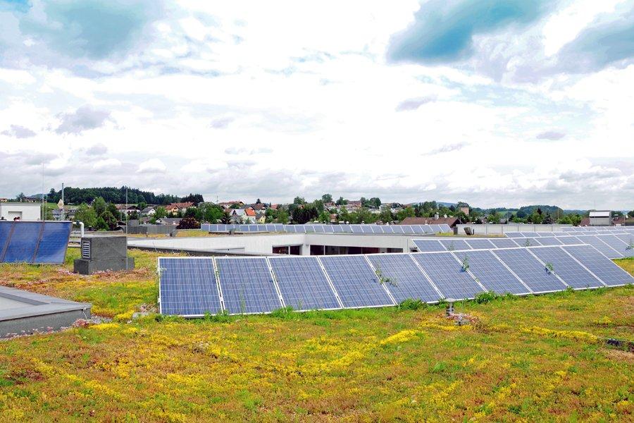 ... werden bereits mit Sonnenstrom versorgt - und das werden nicht die letzten Gebäude bleiben, die damit ausgestattet werden.